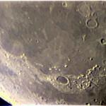 Alpi lunari - ETX-70 (rifrattore 70mm, f/5) @ f/15. Notare l'aberrazione cromatica tendente al violetto, dovuta al rapporto focale troppo spinto di questo altrimenti discreto oggettino. Ripresa realizzata sulla sua montatura originale!