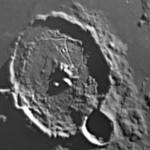 """Cratere Gassendi - LX200 10"""" @f/30 - Notare la ricchezza di dettagli sul fondo del cratere, compresa la """"scia"""" del rotolomanto di un masso, visibie a circa ore 10."""