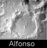 """Un altro cratere della """"triade"""": Alfonso. Qui, nel 1956, venne osservato uno dei più spettacolari TLP (Fenomeni Lunari Transitori)"""