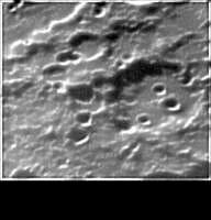 Crateri non identificati in prossimità dell'equatore lunare