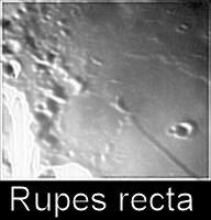 """Luna - La """"Rupes recta"""" (o """"Spada nella Luna""""), immensa faglia nel Mare Nubium."""